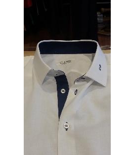 Camicia con iniziali sul colletto