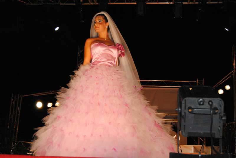 sposa - abito su misura colore rosa - matrimonio - Elins moda