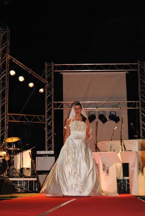abito da sposa classico da matrimonio con ricamo - Elins moda