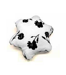Cuscini design arredo in bianco e nero