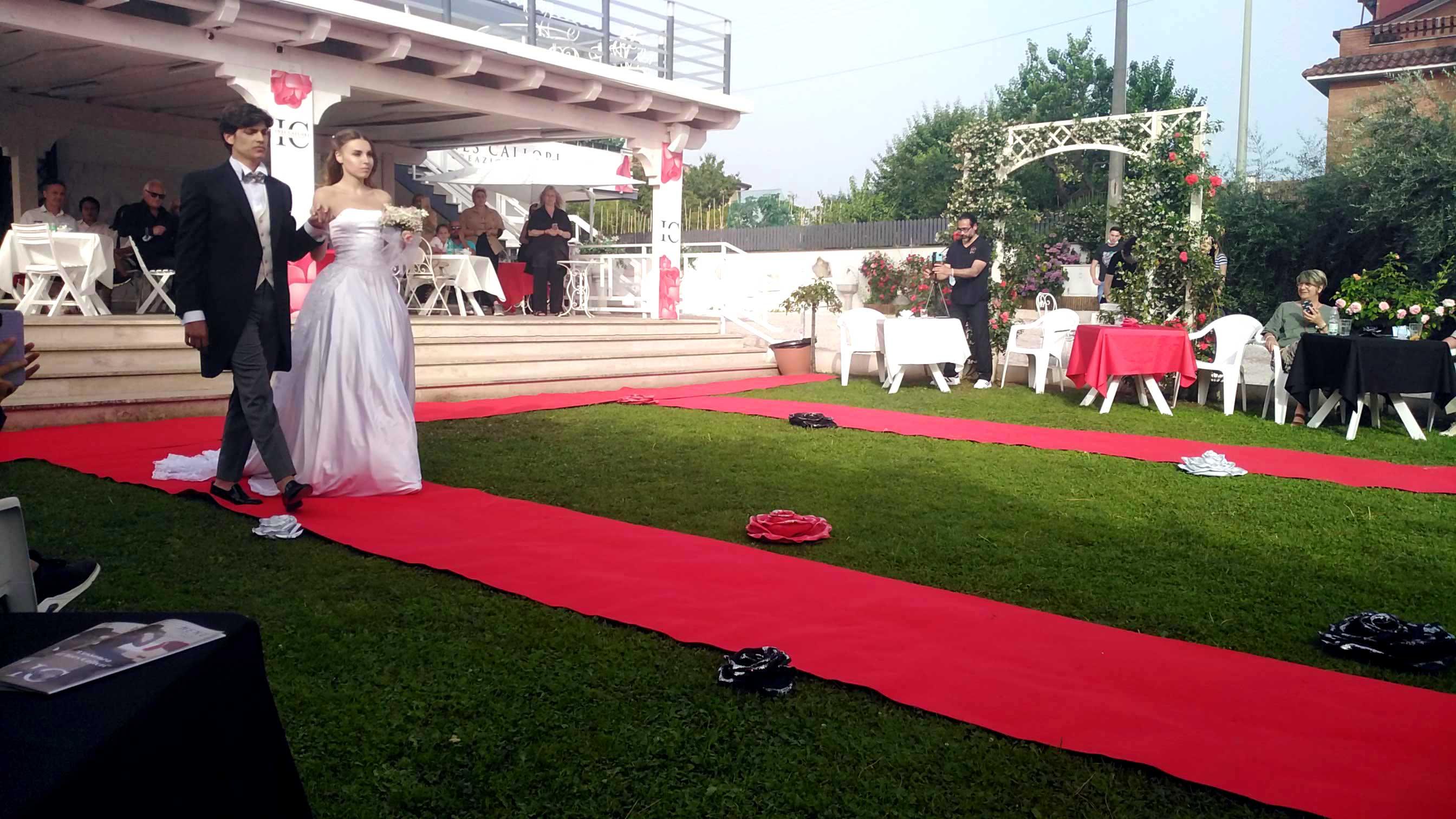 Abiti sposo Eleonora Giamberduca presenta un abito da matrimonio per uomo firmato Elins moda a villa Aurora (Frascati). Vestito sposo a Roma